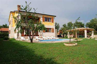 Croatian Real Estate #5873416 - &pound;368,506 - 6 Bedroom Villa