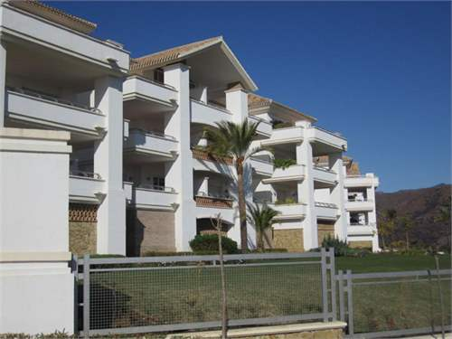 # 5200540 - £264,650 - 3 Bed Apartment, Malaga, Andalucia, Spain