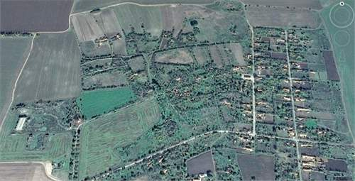 Big plot of land for sale in the village of Bilo near the coast