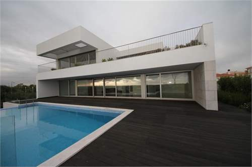 # 9047221 - £1,273,200 - 4 Bed Villa, Alvor, Faro region, Portugal