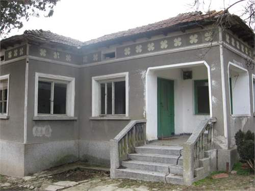 House in village of Rosen, Dobrich area, on Pay Monthly