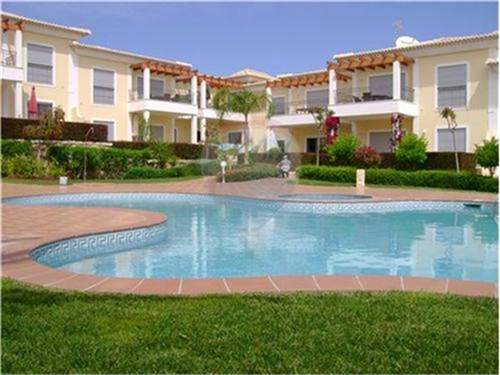 Close to the beach, 2 bed. apartment for sale in Porto de M