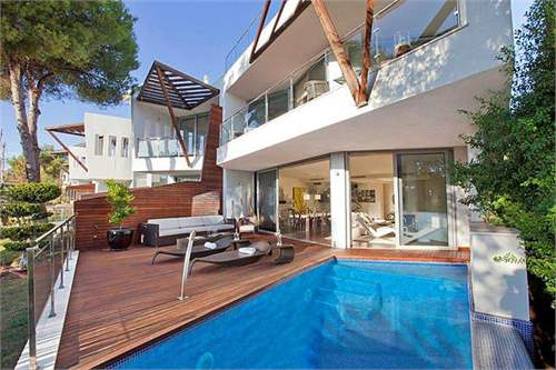Spanish Real Estate #6908743 - &pound;1,604,518 - 3 Bed Villa