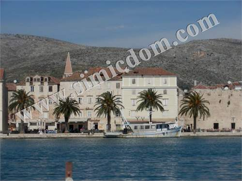 Apartment in unique location in Trogir