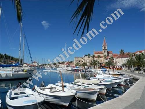 # 9395526 - £95,460 - 2 Bed Character Property, Milna, Split-Dalmatia, Croatia