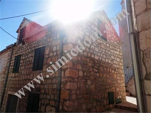 # 9395528 - £135,235 - 4 Bed Character Property, Brac, Split-Dalmatia, Croatia