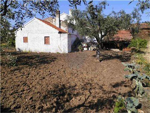 Portuguese Real Estate #7013829 - £24,018 - 3 Bed Villa